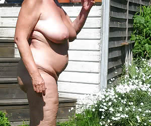 Mature nudist dames with plump bodies