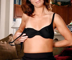 Mature Pantyhouse