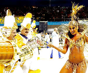 Hot Brazilian Carnival: Enjoy this Thick Brazilian Thighs and Asses