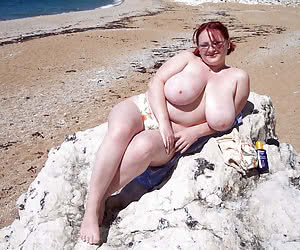 Busty and chubby mature naturist dames