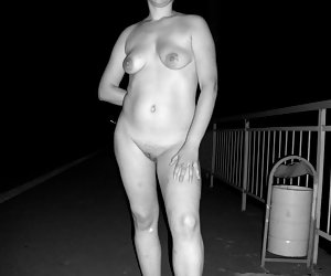 I like shooting this hot plump girl on camera in public.