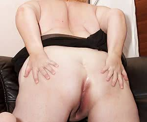Hi Guys heres a hot set I shot back in December 2012 in Sweden of a Hot Swedish BBW MILF Lia, She wasted no time in gett