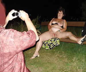 See what a mature housewives do in a benches in the deep night