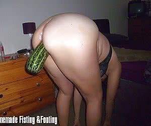 Fucking a loose pussy with a big squash