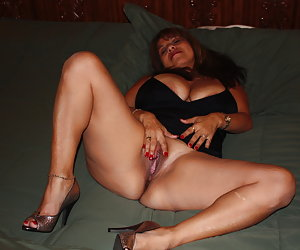 horny housewive butts latina sex amateur