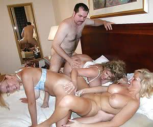 Happy Swingers