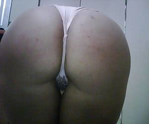 User-submitted pics of female amateurs wearing sexy strings