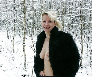 HOT winter pussy