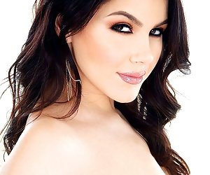 Category: valentina nappi